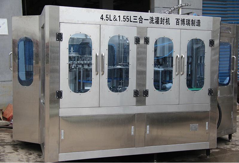 3-5L矿泉水灌装机
