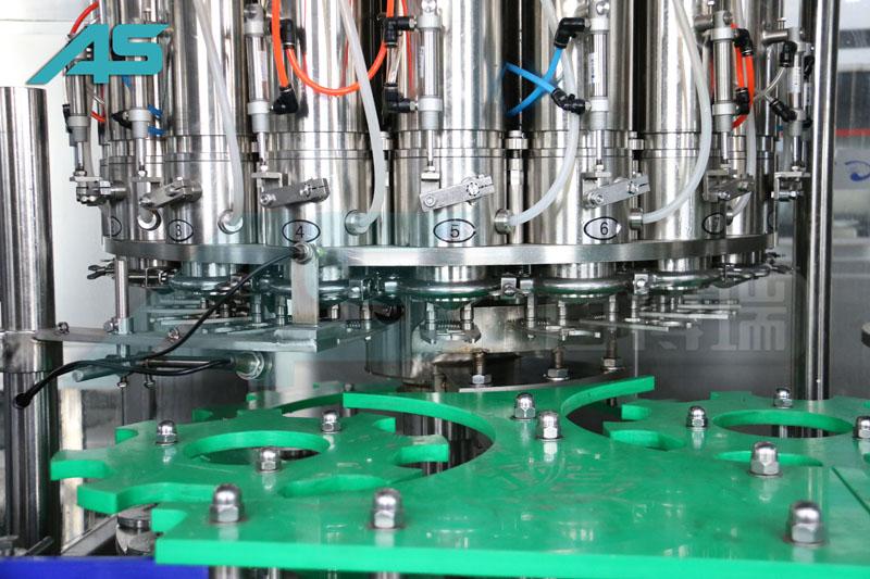 中国PET瓶灌装机工业的规模有了长足进步